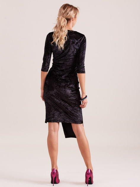 Czarna sukienka z welwetu z rozcięciem                                  zdj.                                  6