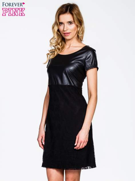 Czarna sukienka ze skórzanym i koronkowym wykończeniem                                  zdj.                                  3