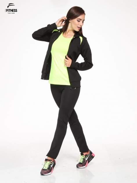 Czarna termoaktywna bluza do biegania z kapturem i fluozielonymi wstawkami ♦ Performance RUN                                  zdj.                                  2