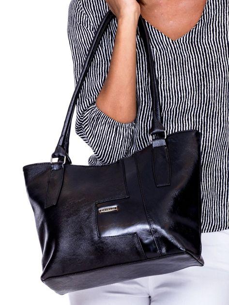 Czarna torba na ramię z ekoskóry                              zdj.                              1