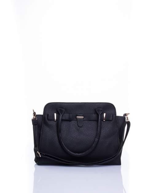 Czarna torba shopper bag z zawieszką                                  zdj.                                  1