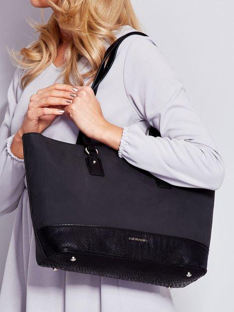 Czarna torba shopper z motywami skóry węża                                  zdj.                                  5