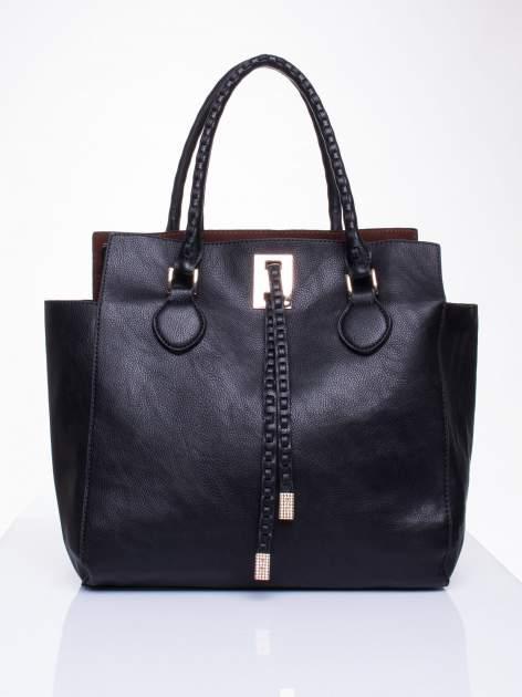 Czarna torba z ozdobnymi skórzanymi troczkami                                  zdj.                                  1
