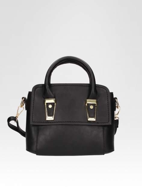 Czarna torebka kuferek z odpinanym paskiem                                  zdj.                                  4