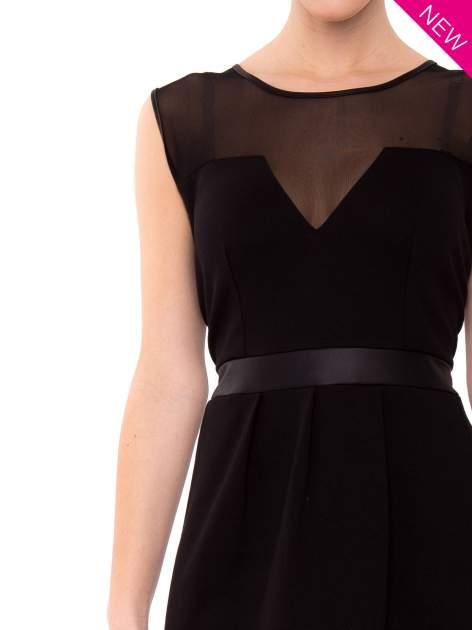 Czarna tulipanowa sukienka z łączonych materiałów                                  zdj.                                  4