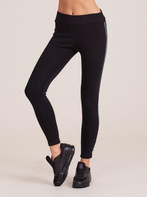 Czarne bawełniane legginsy z lampasami                              zdj.                              1