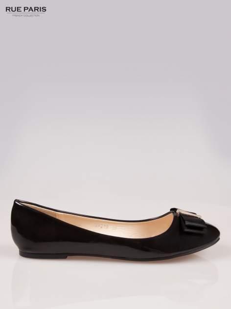 Czarne błyszczące balerinki faux leather Melanie z kokardką                                  zdj.                                  1