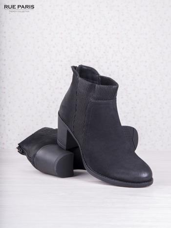 Czarne botki z gumkowanymi wstawkami i przecieraną zamszową skórą                                  zdj.                                  3