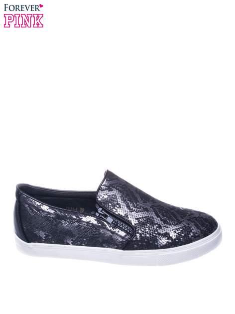 Czarne buty slip on ze skóry węża