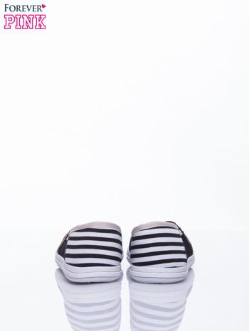 Czarne buty sliponki w paski                                  zdj.                                  4