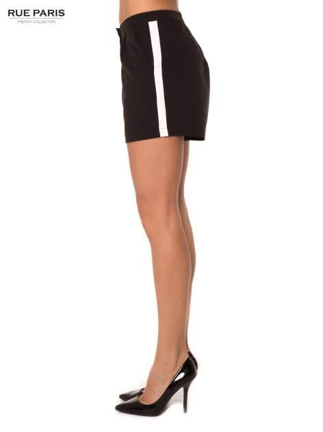 Czarne eleganckie szorty z kontrastowym lampasem                                  zdj.                                  3