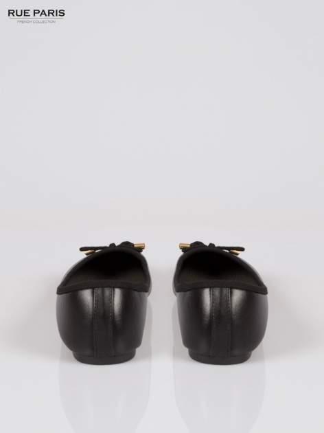 Czarne klasyczne baletki  kokardką ze złotymi troczkami                                  zdj.                                  3