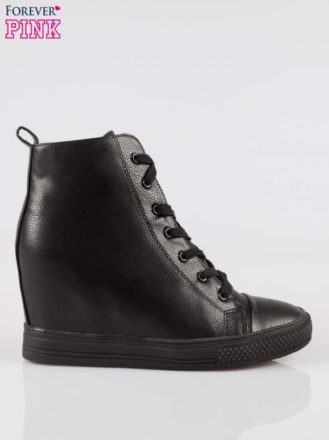 Czarne klasyczne trampki na koturnie sneakersy