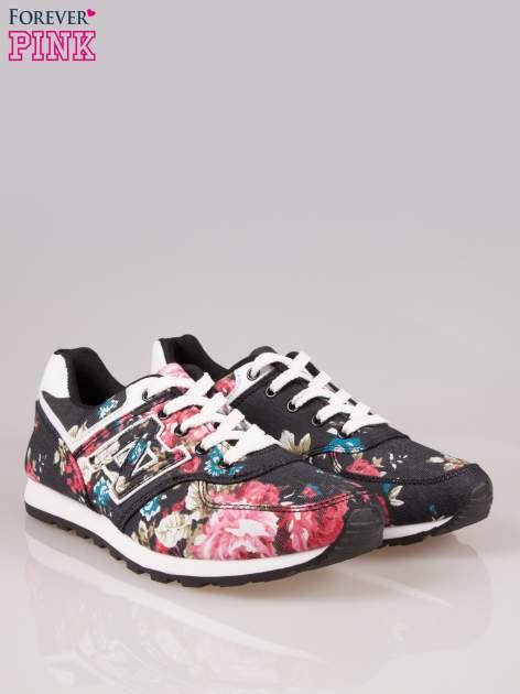 Czarne kwiatowe buty sportowe w stylu casual                                  zdj.                                  2