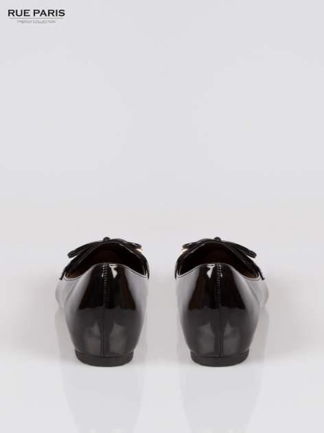 Czarne lakierowane mokasyny faux polish leather z kokardką                                  zdj.                                  3