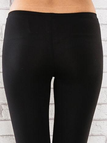 Czarne legginsy sportowe termalne z dżetami na nogawkach                                  zdj.                                  6