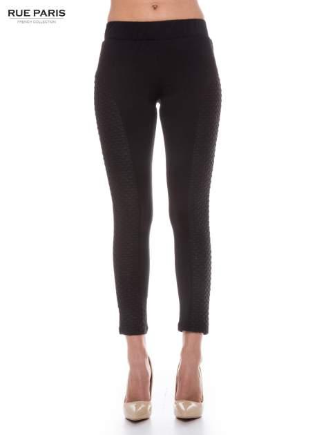 Czarne legginsy z fakturowanymi wstawkami po bokach                                  zdj.                                  1