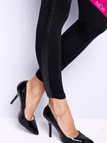 Czarne legginsy ze skórzanymi wstawkami                                  zdj.                                  1