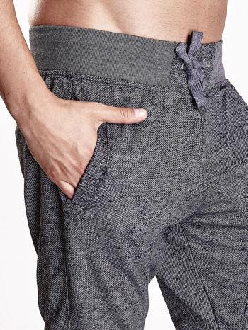 Czarne melanżowe spodnie męskie z trokami i kieszeniami                                  zdj.                                  6