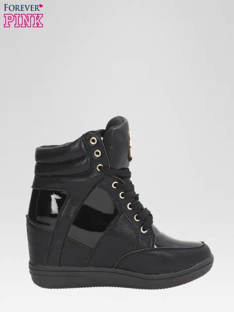 Czarne metaliczne sneakersy damskie na koturnie                                  zdj.                                  1