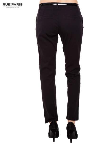 Czarne proste spodnie z paskiem                                  zdj.                                  4