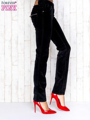 Czarne proste sztruksowe spodnie                                   zdj.                                  3