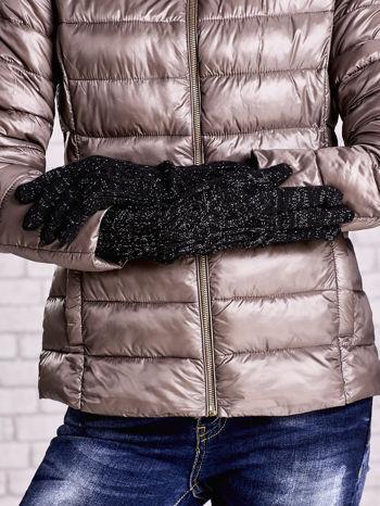 Czarne rękawiczki o warkoczowym splocie z błyszczącą nicią                                  zdj.                                  2