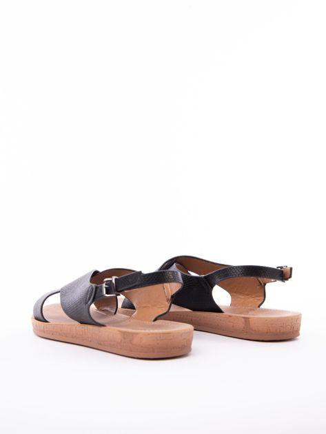 Czarne sandały Mulanka z tłoczoną fakturą                               zdj.                              4