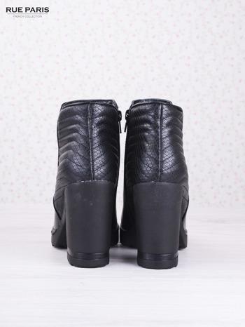 Czarne skórzane botki Mia z gumkowaną wstawką i pikowanym tyłem na słupku                                  zdj.                                  4