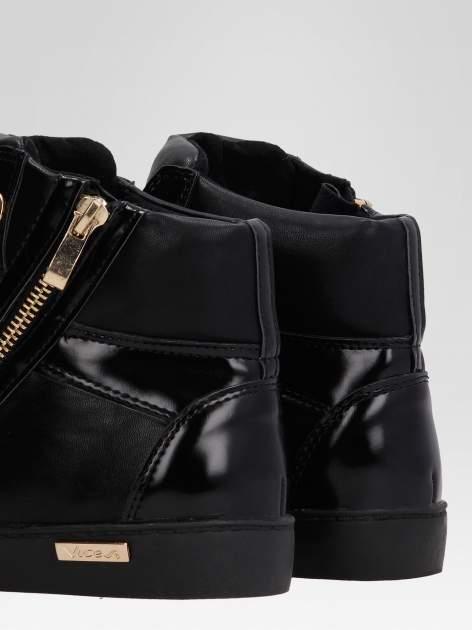 Czarne sneakersy damskie ze złotym łańcuszkiem                                  zdj.                                  7