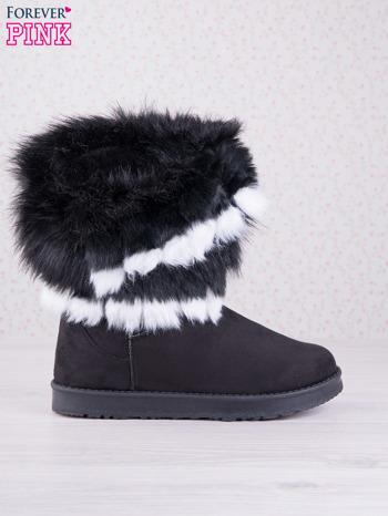 Czarne śniegowce na płaskiej podeszwie z kolorowym futrzanym kołnierzem                                  zdj.                                  2