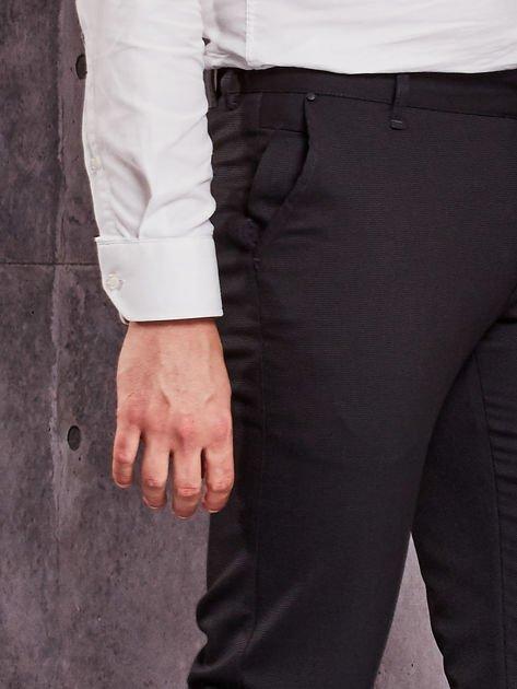 Czarne spodnie męskie w delikatny wzór                              zdj.                              6