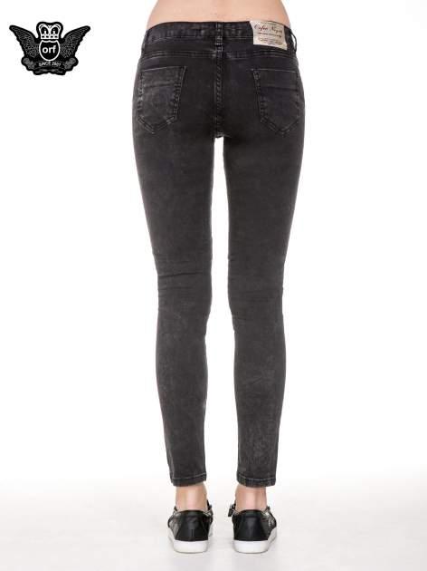 Czarne spodnie skinny jeans z dżetami przy kieszeniach                                  zdj.                                  6