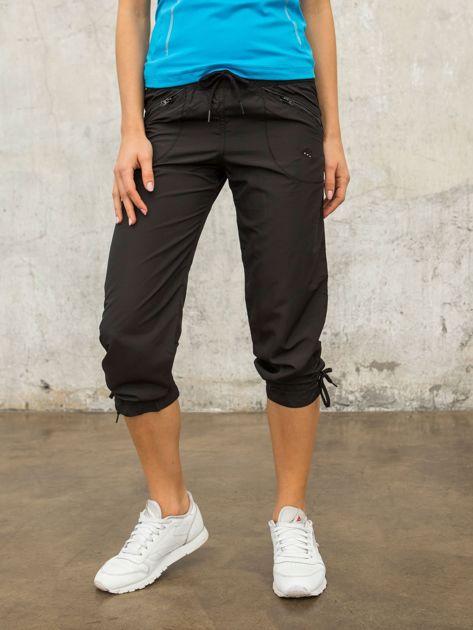 Czarne spodnie sportowe capri z wiązaniem                                  zdj.                                  6