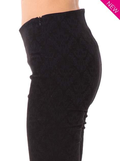 Czarne spodnie w orientalny wzór z żakardu                                  zdj.                                  3