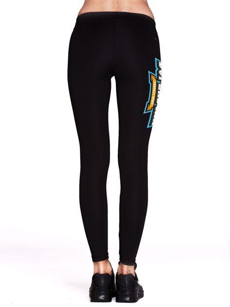 Czarne sportowe legginsy z nadrukiem SUPERSTAR                              zdj.                              3