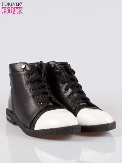 Czarne sznurowane botki damskie white cap toe                                  zdj.                                  2