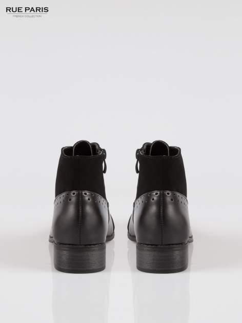 Czarne sznurowane botki z ozdobnymi dziurkami                                  zdj.                                  3
