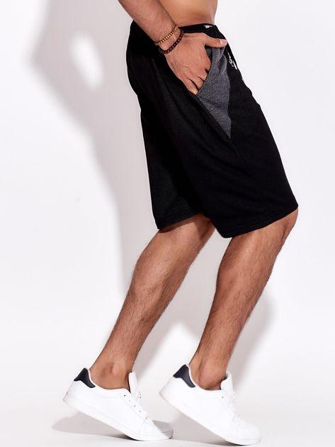 Czarne szorty męskie bawełniane z kieszeniami i trokami                              zdj.                              5