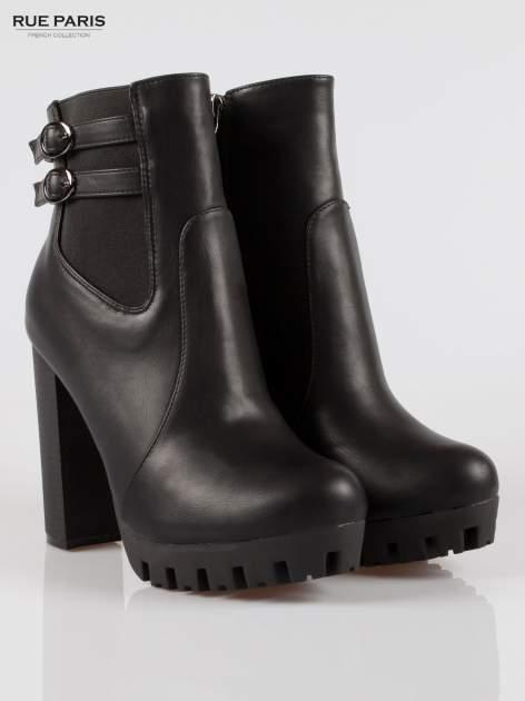 Czarne wysokie botki z klamerkami na platformie w stylu motocyklowym                                  zdj.                                  2