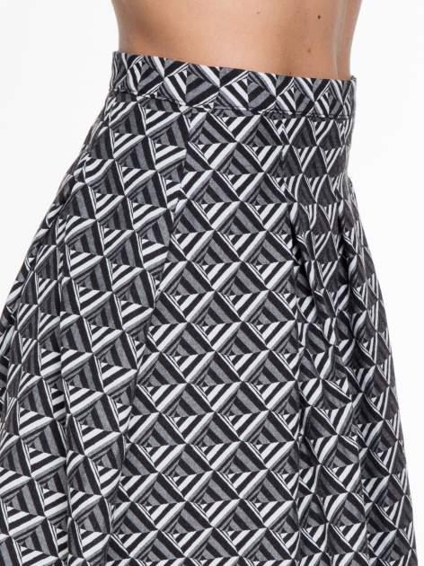 Czarno-biała spódnica midi w geometryczny wzór I                                  zdj.                                  5