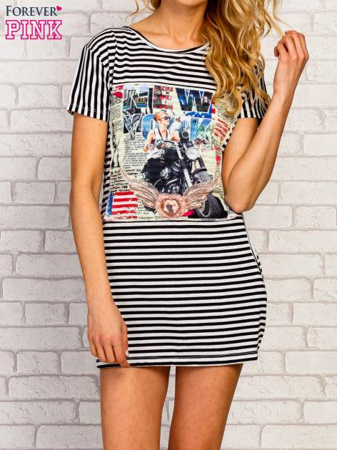 Czarno-biała sukienka w paski z nadrukiem rockowym                                  zdj.                                  1