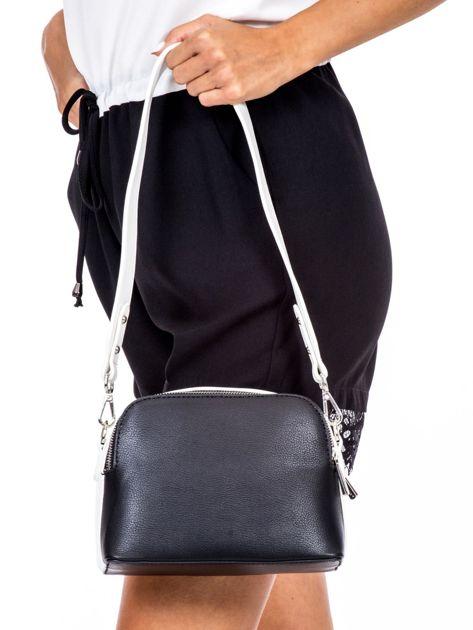 Czarno-biała torebka z szerokim paskiem                              zdj.                              4