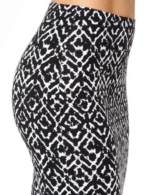 Czarno-biała wzorzysta spódnica ołówkowa                                  zdj.                                  8