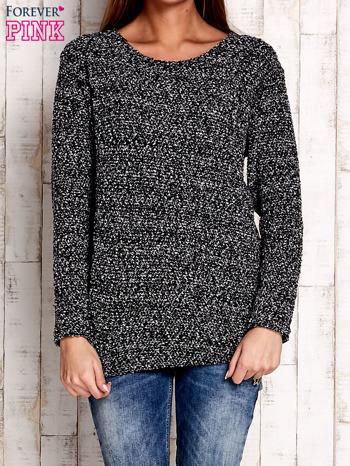 Czarno-biały sweter bouclé                              zdj.                              1