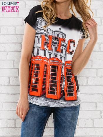 Czarno-biały t-shirt z londyńskim nadrukiem                                  zdj.                                  1