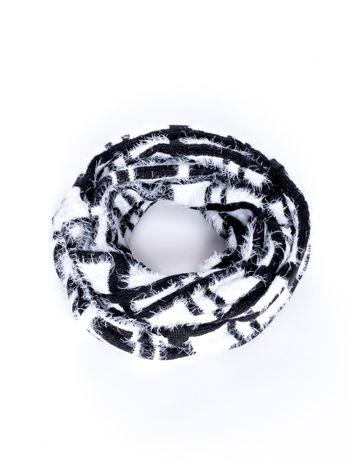 Czarno-biały włochaty szalik komin w kratę                                  zdj.                                  2