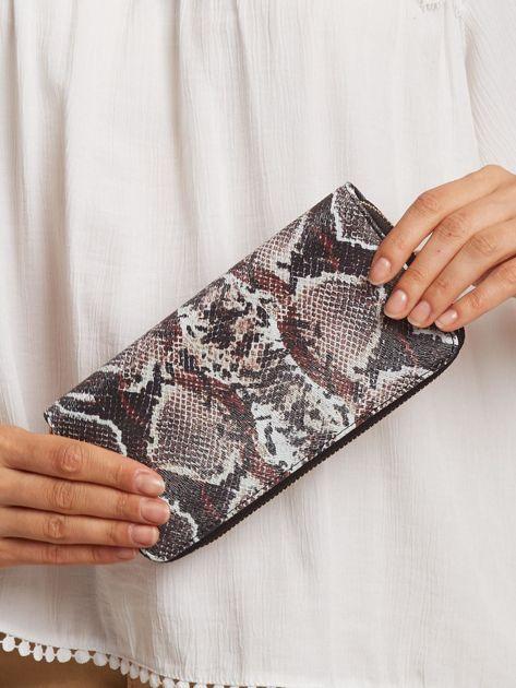 Czarno-bordowy portfel we wzory