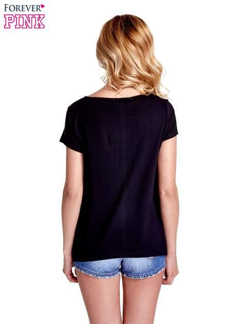Czarny asymetryczny t-shirt                                  zdj.                                  4