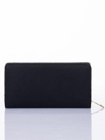Czarny ażurowany portfel ze złotymi okuciami                                  zdj.                                  2